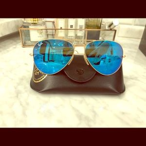 Ray-Ban Aviator Sunglasses 🕶